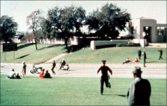 jfk assassination, grassy knoll picture.